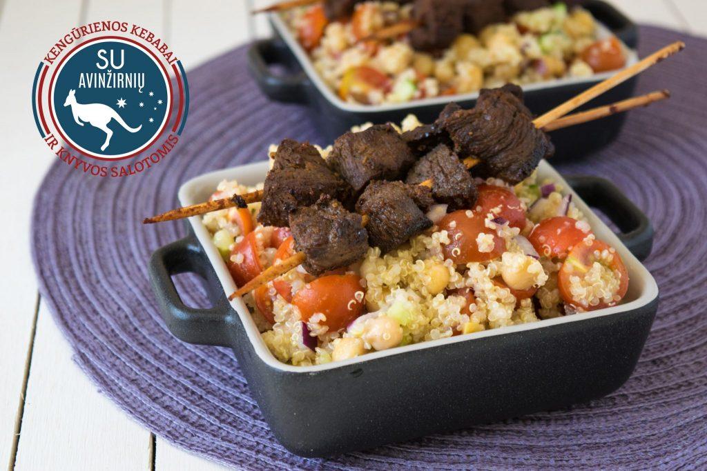 Kengūrienos kebabai su avinžirnių ir knyvos salotomis